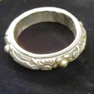Jewelry - Silvertone bracelet, 7.5 inches inside diameter